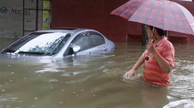 Vietnam battles deadly flooding