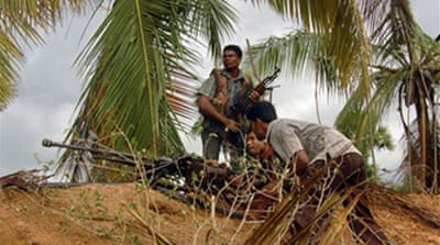 Sri Lanka rebels retreat to jungle