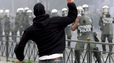Anti-police riots rage in Greece