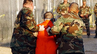 Obama 'softens' Guantanamo pledge
