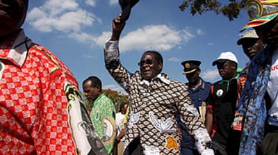 Defiant Mugabe presses on with vote