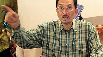Anwar to sue sodomy accuser