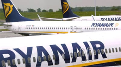 High fuel costs hit Ryanair profits
