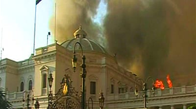 Video: Egypt's parliament in flames