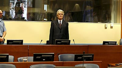 Karadzic wants judge dismissed