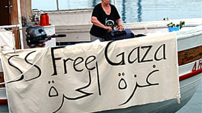 Protesters sail to Gaza Strip