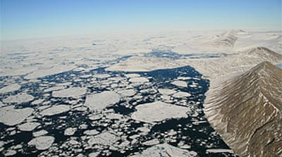 Canada loses ancient ice shelf