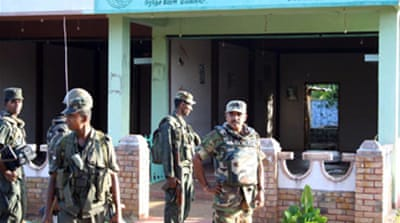 Sri Lanka army advances on Tigers