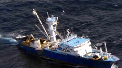 Somali pirates free Spanish ship