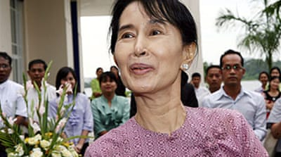 Suu Kyi asks to meet Myanmar rulers