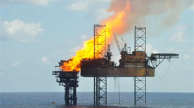 Blazing Timor oil rig may collapse