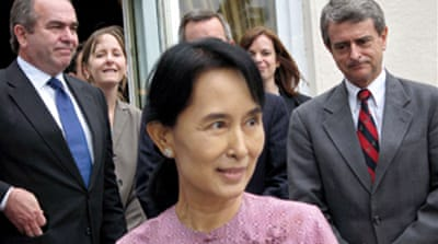Myanmar bars Suu Kyi from polls