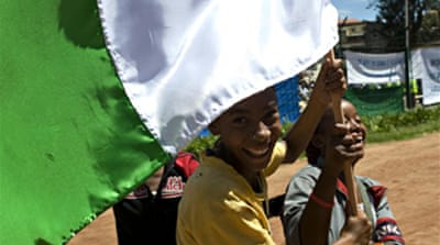 Madagascar rivals stage rallies
