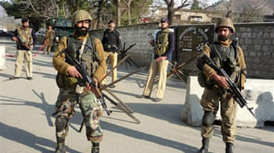 Pakistan army 'holds fire' in Swat