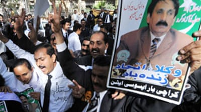 Pakistan reinstates chief justice
