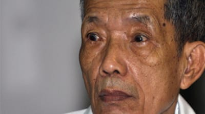 Khmer Rouge torture chief 'sorry'
