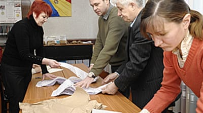 Communists win Moldova recount