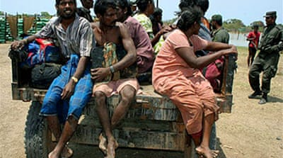 'Hundreds flee' Sri Lanka war zone