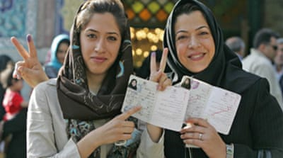 Iran wraps up tight election race