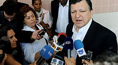 EU chief Barroso seeks second term