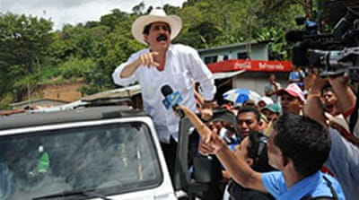 Zelaya returns to Honduran border
