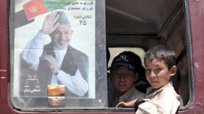 Karzai pulls ahead in Afghan polls
