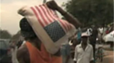 Haitian survivors fight for food