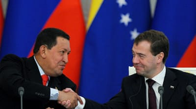 Chavez signs nuclear deal in Russia