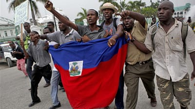 Anti-UN protesters block Haiti base