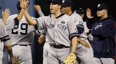Yankees beat Rangers in opener