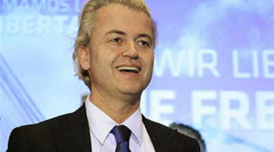 Dutch court urges new Wilders trial