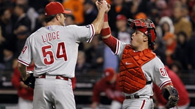Phillies win keeps series alive