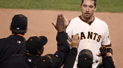 Giants beat Rangers in opener