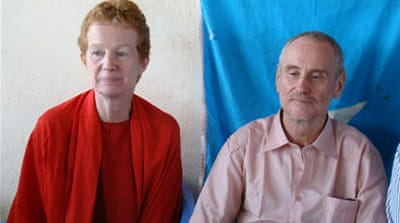 Somali pirates free British couple
