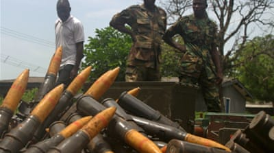 Nigeria military frees oil hostages
