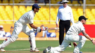 India make New Zealand toil