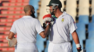 South Africa tighten grip on Test