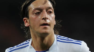 Ozil: 'Barca can be caught'