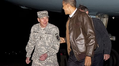 Obama visits troops in Afghanistan