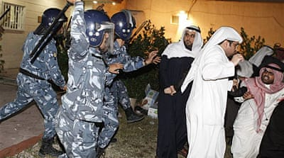 Kuwaiti MPs accuse PM over violence