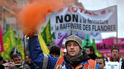 French oil refineries hit by strike