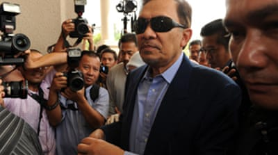 Anwar denies sodomy charges