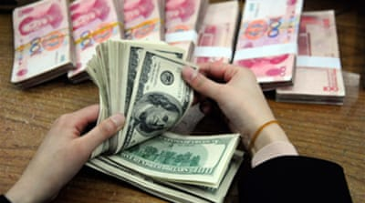 US ups pressure on China over yuan