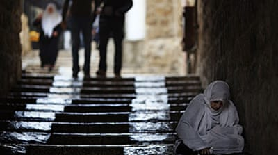Israel restricts Jerusalem access