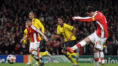 Arsenal stun Barca in fightback