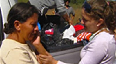 Volunteers help Chile quake victims