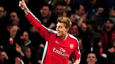 Bendtner hat-trick thrashes Porto