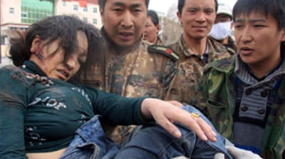 Race to reach China quake victims