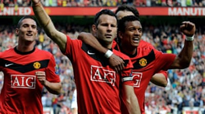 Giggs spurs United back to top