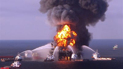 Search ended for US oil rig workers